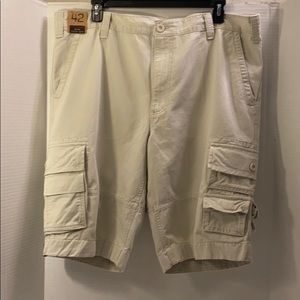 🆕Cargo Shorts by Roundtree and Yorke